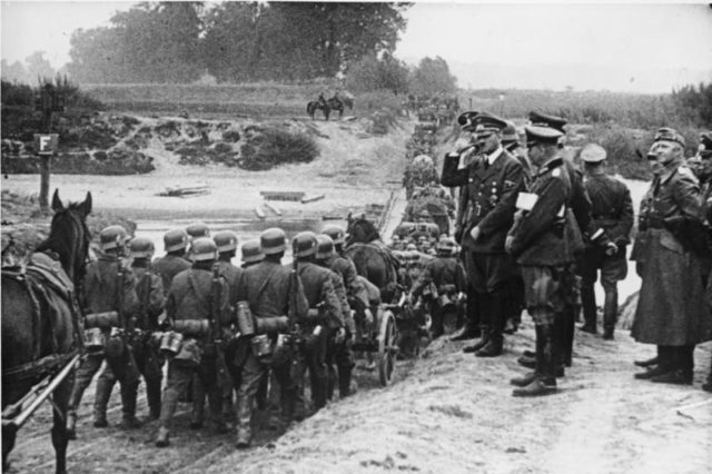 hitler-german-troops-poland