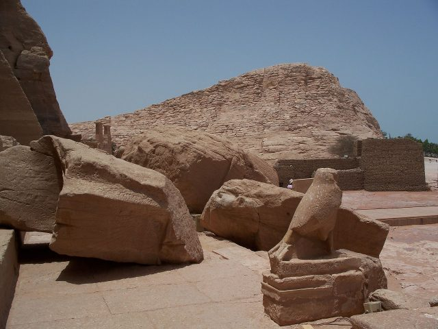 Ancient Egyptian ruins