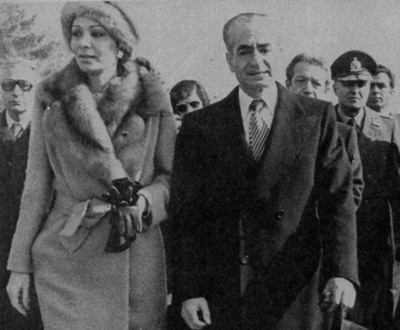 Shah-and-his-wife-leaving-Iran